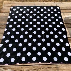 PINK Black/White Dotted Blanket